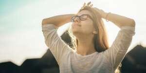 happiness negative thought patterns mindfulness meditation