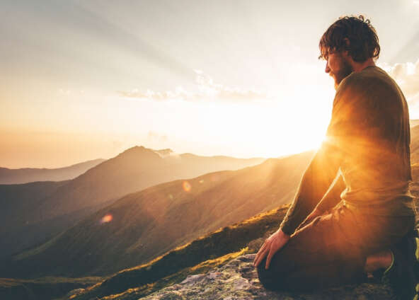 4 Amazing Things That Happen When You Connect With Your Higher Self During Meditation